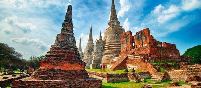 10 tempuj më të lashtë në botë dhe historitë e tyre (FOTO)