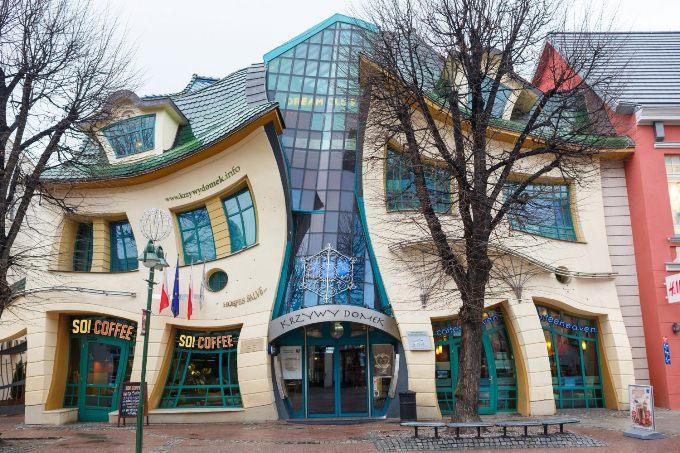 10 ndertesat me te pazakonta ne bote